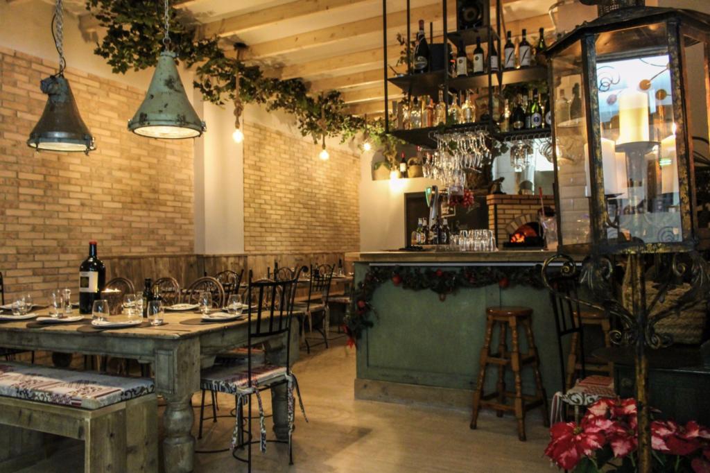 Restaurant in Bocca al Lupo